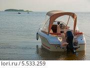 Моторная лодка. Стоковое фото, фотограф Opra / Фотобанк Лори