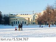 Зима. Чистые пруды. Солнечный день. Москва (2014 год). Редакционное фото, фотограф E. O. / Фотобанк Лори