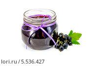 Купить «Джем из черной смородины в стеклянной банке», фото № 5536427, снято 2 августа 2013 г. (c) Резеда Костылева / Фотобанк Лори
