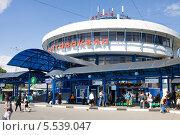 Купить «Автовокзал в городе Чехове в Московской области», эксклюзивное фото № 5539047, снято 26 мая 2011 г. (c) Солодовникова Елена / Фотобанк Лори