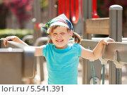 Девочка на детской площадке. Стоковое фото, фотограф Яков Филимонов / Фотобанк Лори