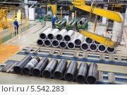 Купить «Цех по производству алюминия на заводе», фото № 5542283, снято 4 мая 2012 г. (c) Losevsky Pavel / Фотобанк Лори