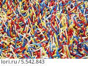 Купить «Крупный план поверхности разноцветного ковра», фото № 5542843, снято 1 августа 2012 г. (c) Losevsky Pavel / Фотобанк Лори