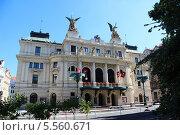 Здание театра на Виноградах в Праге на площади Мира (2013 год). Редакционное фото, фотограф Александр Поставцев / Фотобанк Лори