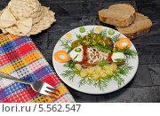 Купить «Детская еда. Куриная ножка в виде рыбки.», фото № 5562547, снято 5 февраля 2014 г. (c) Татьяна Ляпи / Фотобанк Лори