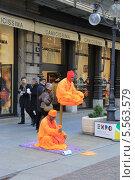Уличные фокусники, Италия (2013 год). Редакционное фото, фотограф Дмитраков Юрий / Фотобанк Лори