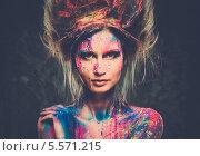 Купить «Девушка с креативным боди-артом и прической», фото № 5571215, снято 12 января 2014 г. (c) Andrejs Pidjass / Фотобанк Лори