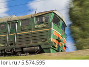 Грузовой магистральный тепловоз 2ТЭ116 в движении (2012 год). Редакционное фото, фотограф Александр Tолстой / Фотобанк Лори