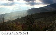 Купить «Движение облаков на горе Демерджи. Алушта, Крым, Украина, таймлапс», видеоролик № 5575671, снято 6 ноября 2012 г. (c) Артем Поваров / Фотобанк Лори