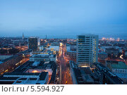Купить «Многоэтажные дома - небоскрёбы в Таллине, Эстония», эксклюзивное фото № 5594927, снято 6 января 2014 г. (c) Литвяк Игорь / Фотобанк Лори