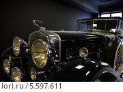 Фрагмент ретро автомобиля представительского класса Cadillak V16 1930г (2010 год). Редакционное фото, фотограф Алексей Горбунов / Фотобанк Лори
