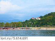 Купить «Вид на побережье Сочи со стороны моря», фото № 5614691, снято 8 августа 2013 г. (c) Григорий Писоцкий / Фотобанк Лори