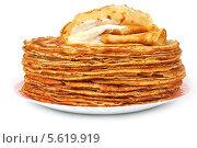 Купить «Блины на тарелке со сметаной», эксклюзивное фото № 5619919, снято 22 февраля 2014 г. (c) Юрий Морозов / Фотобанк Лори