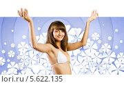 Купить «Сексуальная девушка в белом бикини держит большой пустой баннер», фото № 5622135, снято 19 сентября 2018 г. (c) Sergey Nivens / Фотобанк Лори