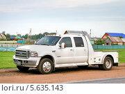 Купить «Автомобиль Ford F-350», фото № 5635143, снято 14 июня 2008 г. (c) Art Konovalov / Фотобанк Лори