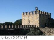Башня Улисса в замке Святого Георгия в Лиссабоне (2013 год). Стоковое фото, фотограф Дмитрий Булатов / Фотобанк Лори