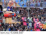 """Карнавал в Ницце 2014. Композиция """"Сыры Президента Оланда"""" Редакционное фото, фотограф Татьяна Лата / Фотобанк Лори"""