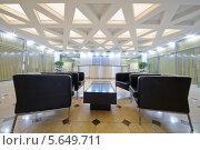 Купить «Холл с кожаными креслами в бизнес-центре», фото № 5649711, снято 30 мая 2012 г. (c) Losevsky Pavel / Фотобанк Лори