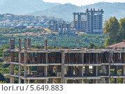 Купить «Строительство новых домов», фото № 5649883, снято 11 июля 2012 г. (c) Losevsky Pavel / Фотобанк Лори