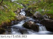 Водопад на ручье. Стоковое фото, фотограф Мещеряков Александр / Фотобанк Лори