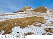 Горы Кавказа в снегу. Стоковое фото, фотограф Михаил Бессмертный / Фотобанк Лори
