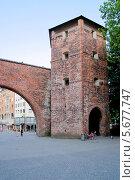Купить «Башня Зендлингских ворот. Городские ворота в Мюнхене. Германия», фото № 5677747, снято 28 июля 2013 г. (c) Илюхина Наталья / Фотобанк Лори