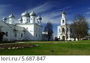 Купить «Свято-Юрьев монастырь в Великом Новгороде», фото № 5687847, снято 12 декабря 2018 г. (c) Зезелина Марина / Фотобанк Лори
