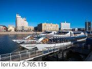 Речной трамвай (2014 год). Редакционное фото, фотограф Юрий Баулин / Фотобанк Лори
