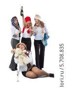 Группа девушек в шапочках с шампанским на белом фоне. Стоковое фото, фотограф Daniil Nikiforov / Фотобанк Лори