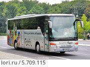 Купить «Автобус Setra S415GT-HD», фото № 5709115, снято 12 сентября 2013 г. (c) Art Konovalov / Фотобанк Лори