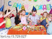 Купить «Детский день рождения», фото № 5729027, снято 16 мая 2013 г. (c) Losevsky Pavel / Фотобанк Лори