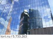 Стеклянное офисное здание (2012 год). Стоковое фото, фотограф Владимир Николаев / Фотобанк Лори