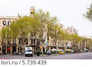 Купить «Пасео де Грасиа в Барселоне весной», фото № 5739439, снято 8 апреля 2013 г. (c) Яков Филимонов / Фотобанк Лори
