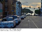 Улица в районе Санта Моника, Лос-Анджелес, Калифорния (2013 год). Редакционное фото, фотограф Андрей Кочкин / Фотобанк Лори