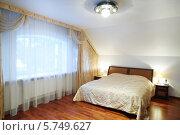 Купить «Интерьер спальни в классическом стиле», фото № 5749627, снято 16 января 2013 г. (c) Losevsky Pavel / Фотобанк Лори