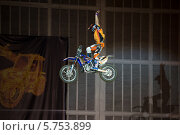 Купить «Монстр шоу», эксклюзивное фото № 5753899, снято 19 октября 2018 г. (c) ФЕДЛОГ.РФ / Фотобанк Лори