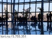 Силуэты людей в бизнес-центре. Стоковое фото, фотограф Ковалев Василий / Фотобанк Лори