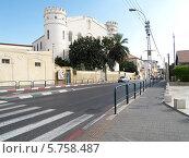 Купить «Израиль. Улица в городе Яффо», фото № 5758487, снято 5 октября 2012 г. (c) Ирина Борсученко / Фотобанк Лори