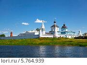 Купить «Бобренев монастырь. Коломна», фото № 5764939, снято 30 июня 2012 г. (c) Наталья Волкова / Фотобанк Лори