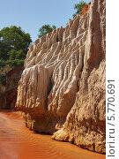 Купить «Вьетнам, Красный ручей (Fairy stream)», фото № 5770691, снято 23 января 2014 г. (c) макаров виктор / Фотобанк Лори