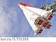 "Купить «Ракета-носитель ""Восток-1"" на ВДНХ», эксклюзивное фото № 5773019, снято 19 августа 2011 г. (c) Алёшина Оксана / Фотобанк Лори"