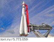 "Ракета-носитель ""Восток"" на ВДНХ (ВВЦ) (2011 год). Редакционное фото, фотограф Алёшина Оксана / Фотобанк Лори"