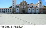 Купить «Католическая церковь Basilica de La Candelaria в городке Канделярия на острове Тенерифе. Канарские острова», видеоролик № 5782627, снято 22 февраля 2014 г. (c) Roman Likhov / Фотобанк Лори