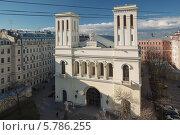 Купить «Вид с крыши на немецкую протестантскую церковь Святого Петра, Санкт-Петербург», фото № 5786255, снято 28 апреля 2013 г. (c) Смелов Иван / Фотобанк Лори