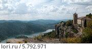 Купить «Испания, каталония. средневековая башня на фоне горной реки», фото № 5792971, снято 28 сентября 2013 г. (c) Андрей Горбачев / Фотобанк Лори