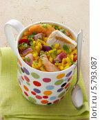 Купить «рис с морепродуктами в кружке, крупный план», фото № 5793087, снято 19 октября 2019 г. (c) Food And Drink Photos / Фотобанк Лори