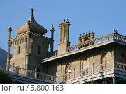 Башня Воронцовского дворца в Алупке в Крыму (2010 год). Редакционное фото, фотограф Дмитрий Булатов / Фотобанк Лори