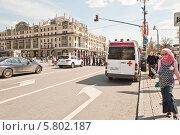 Купить «Переход в начале улицы Петровка», эксклюзивное фото № 5802187, снято 9 мая 2013 г. (c) Алёшина Оксана / Фотобанк Лори
