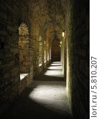 Коридор с арками. Стоковое фото, фотограф Хельга Танг / Фотобанк Лори