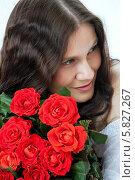 Девушка с букетом роз. Стоковое фото, фотограф Николай Тоцкий / Фотобанк Лори